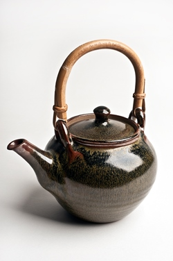 Ray Finch - Teapot (ceramic)
